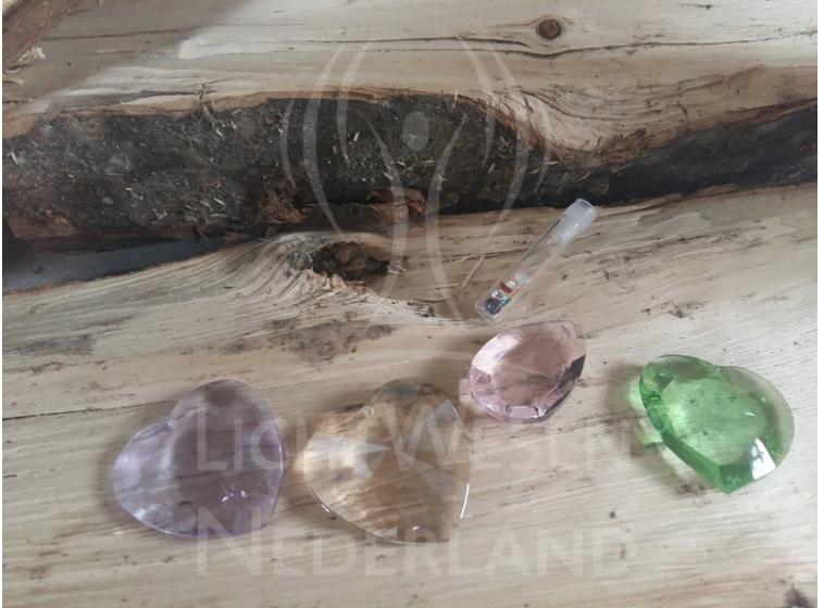 kristallen op hout